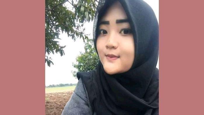 Iin Cahyani (17) warga Desa Situraja, Kecamatan Gantar, Kabupaten Indramayu yang merupakan pangantin baru hilang.