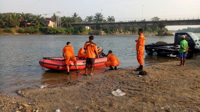 Tim SAR Masih Lakukan Proses Pencarian Orang Hanyut di Sungai Rokan Riau