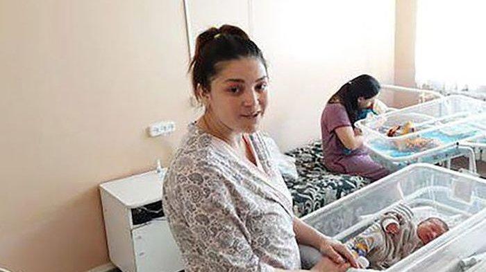Langka, Ibu ini Melahirkan Bayi Kembarnya dengan Jarak 11 Minggu: Ketahuan Setelah Hal Ini