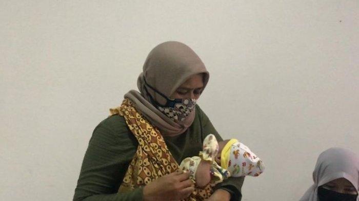 Jika Menangis Kencang, Bayi di Samarinda Ini Keluarkan Air Mata Darah