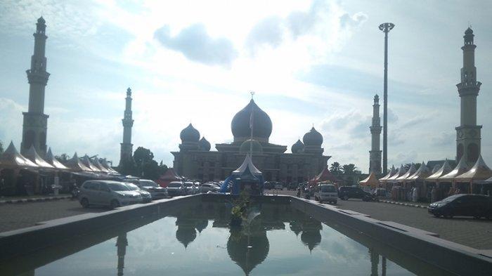 Ngabuburit Sambil Belanja di Masjid Raya An Nur, Taj Mahalnya Kota Pekanbaru