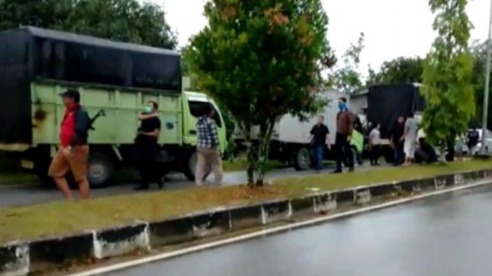 Bea Cukai Pekanbaru Tegah 5 Truk Rokok Ilegal di Pelalawan, Warga Sempat Merekam Videonya