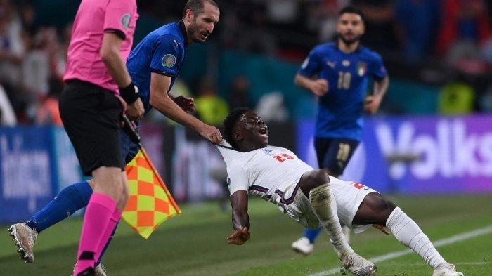 Gagal Menang, Fans Inggris Marah, Minta Final Euro 2020 Diinvestigasi, Italia Disebut Bermain Kotor