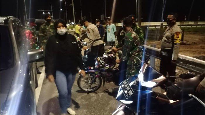 Belasan Remaja Bersama Motornya Diamankan di Dumai, Diduga Akan Lakukan Balap Liar.di Gerbang Tol