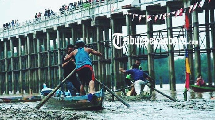STORY - Berawal dari Tradisi Masyarakat Pinggiran Sungai, Festival Sampan Leper Raih API 2019