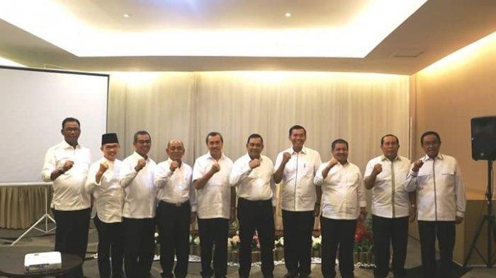 Beredar Foto 9 Kepala Daerah di Riau Diduga Deklarasi Dukungan untuk Jokowi - Ma'ruf Amin