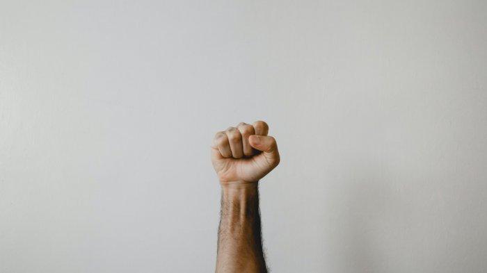 Satpol PP Di Pamekasan Cekcok Gara-gara Nasi Kotak, Mereka Berduel Dengan Perut Lapar