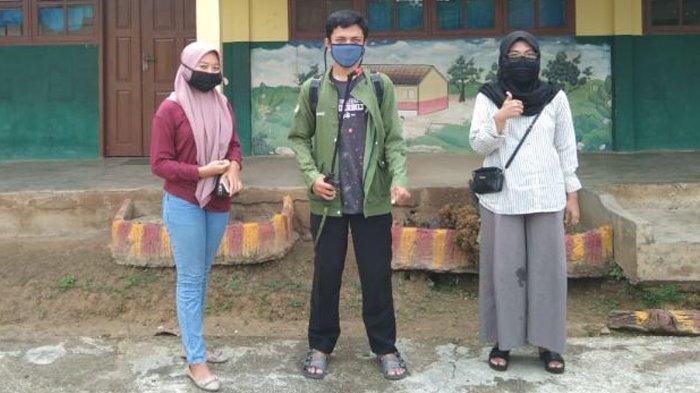 Bersama Puskesmas, Mahasiswa Universitas Riau Lakukan Penyemprotan Disinfektan di Fasilitas Umum