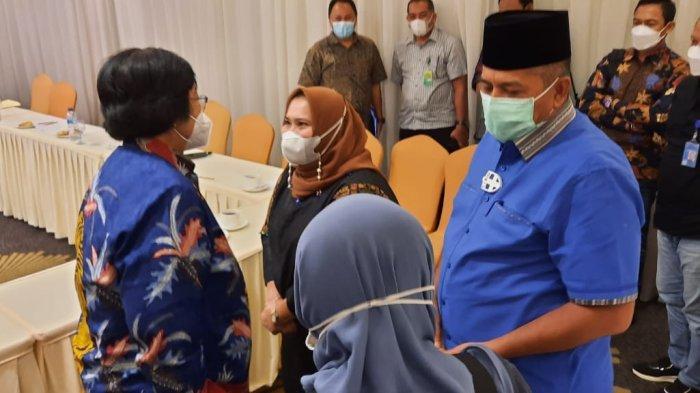 Bertemu Menteri LHK Siti Nurbaya di Pekanbaru, Bupati Kasmarni Ungkap Masalah Lingkungan Bengkalis
