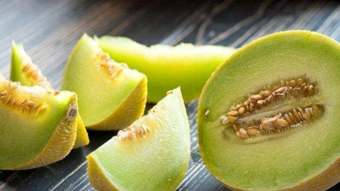 Biji melon yang banyak dibuang saat makan melon ternyata memiliki banyak manfaat, mulai dari meningkatkan nafsu makan hingga mencegah anemia. Saat bulan puasa, permintaan buah melon meningkat hingga 50 persen.