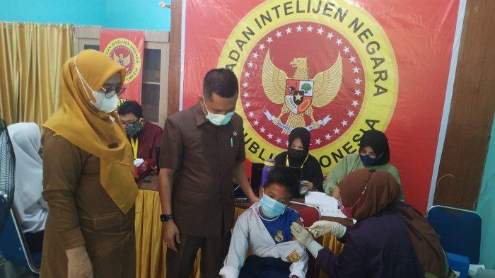 BIN Gelar Vaksinasi di SMPN 10 Pekanbaru, DPRD Pekanbaru Sebut Bisa Jadi Pintu Belajar Tatap Muka