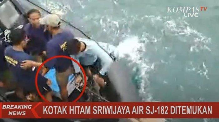 Blackbox Sriwijaya Air 182 Ditemukan Tim Penyelam TNI AL