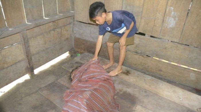 Bocah SD Hidupi Ayah Ibu yang Lumpuh, Ayah: Dia yang Urus Makan, Minum dan Bersihkan Kotoran Kami