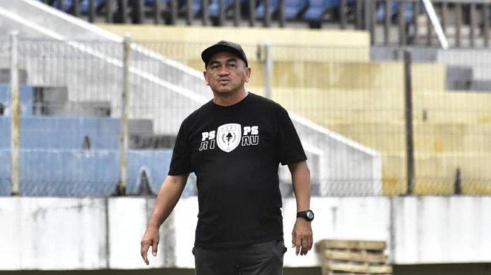 BOLA LOKAL: Ini Target Pelatih PSPS Raja Isa di Lanjutan Liga 2/2020