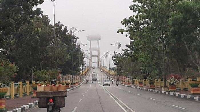 BREAKING NEWS : Asap Karhutla di Riau Selimuti Ibukota Kabupaten Siak, Pemandangan di Udara Memutih