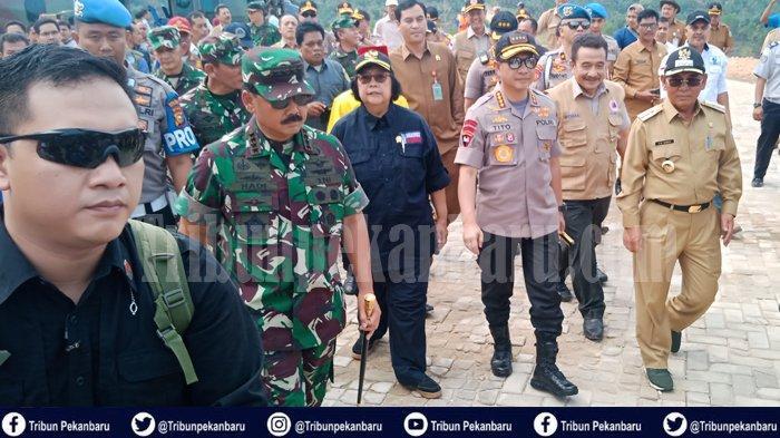 Panglima TNI Siap Kerahkan Pesawat Hercules Bantu Padamkan Karhutla Riau, Sekali Angkut 10 Ton Air