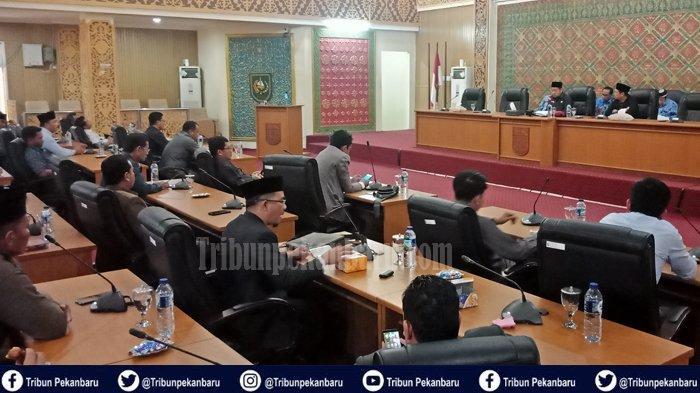 BREAKING NEWS : NAMA-NAMA Calon Pimpinan Fraksi Definitif DPRD Pelalawan dalam Paripurna Perdana
