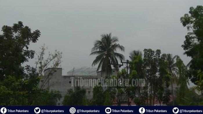 breaking-news-sejumlah-penerbangan-di-bandara-ssk-ii-pekanbaru-tertunda-akibat-kabut-asap-tebal.jpg