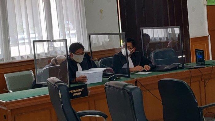 BREAKING NEWS: Sidang Perdana Kasus Dugaan Korupsi Yan Prana Jaya, Lihat Tebalnya Surat Dakwaan JPU
