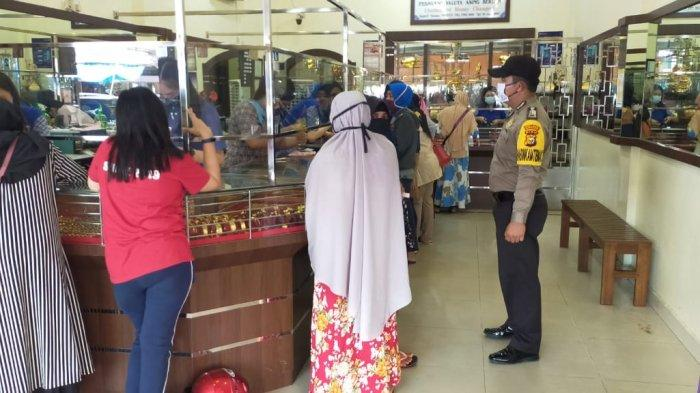 Tekan Kerawanan Tindak Kriminal Tempat Ramai, Bhabinkamtibmas Kota Bengkalis Lakukan Patroli