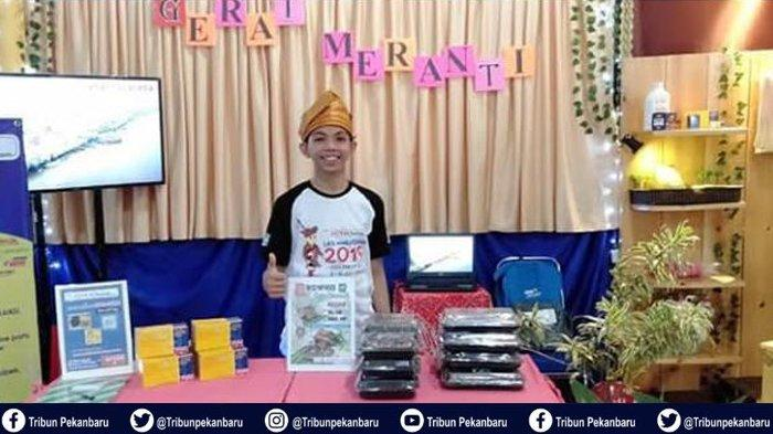 Brownis Sagu Riau, Siswa SMK Asal Meranti Berhasil Curi Perhatian Nasional dalam LKS Marketing 2019