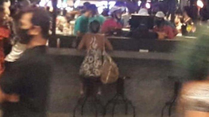 Asyik Party Abaikan Protokol Kesehatan di Bar, Kerumunan Puluhan WNA di Bali Dibubarkan Satpol PP