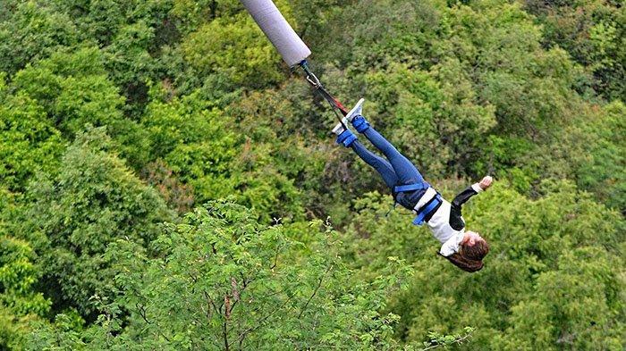 Naas, Wanita Ini Mendarat di Dasar Jembatan Setinggi 48 Meter dan Tewas, Ortu Langsung Syok