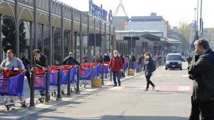 Buntut Dilakukan Lockdown, Warga Italia Jarah Supermarket hingga Polisi Bersenjata Api Turun Tangan