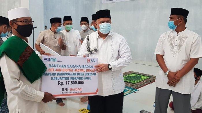 Yopi Pamit dan Ucapkan Terimakasih, Tutup Masa Kerja dengan Resmikan Masjid di Seresam di Inhu