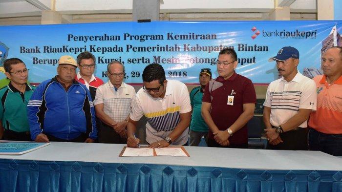 Bupati Bintan Minta Warganya Menabung di Bank Riau Kepri