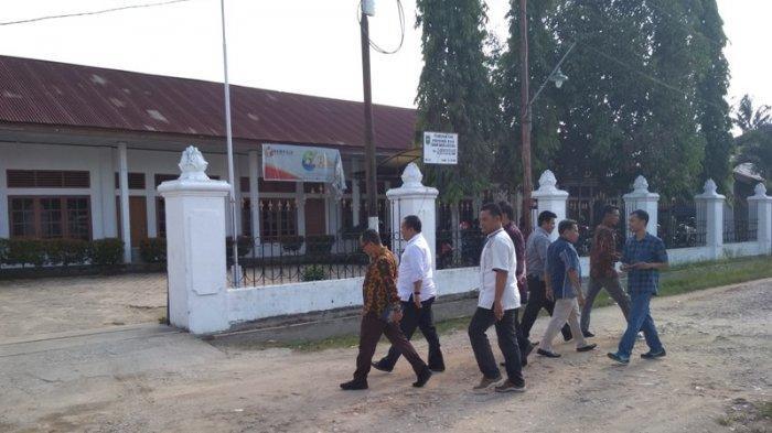 Bupati Irwan Nasir Datangi Bawaslu Jalani Pemeriksaan, Terkait Deklarasi Dukungan Pasangan Capres