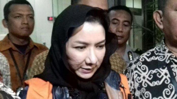 Waduh, Ada Bekas Penyidik KPK yang Kunjungi Mantan Bupati Kukar Rita Widyasari