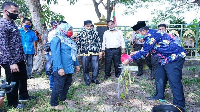 Sosialisasi Pembentukan Kebun Bibit Desa, 3.000 Bibit Pohon Didistribusikan di Kecamatan Lubuk Dalam