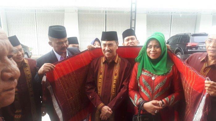 Istrinya Positif Corona, Bagaimana dengan Gubri Syamsuar? Ini Kata Jubir Covid-19 Riau