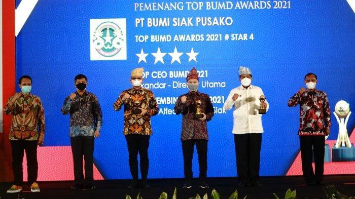 Bupati Siak Bersyukur PT BSP Raih Tiga Penghargaan Top BUMD Awards