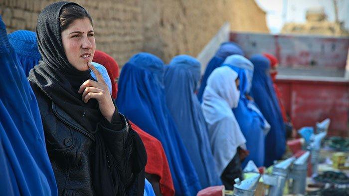 Gara-gara Taliban, Satu Persatu Pekerjaan Perempuan di Afganistan Diambil Alih Laki-laki