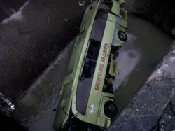 Mobil Rombongan Calon Jemaah Haji Masuk Jurang