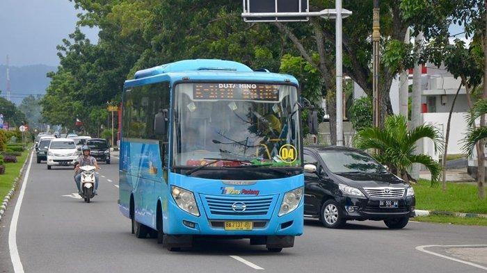 Bus Trans Padang Mulai 17 Agustus Tak Lagi Terima Uang Tunai, Pembayaran Pakai e-Money