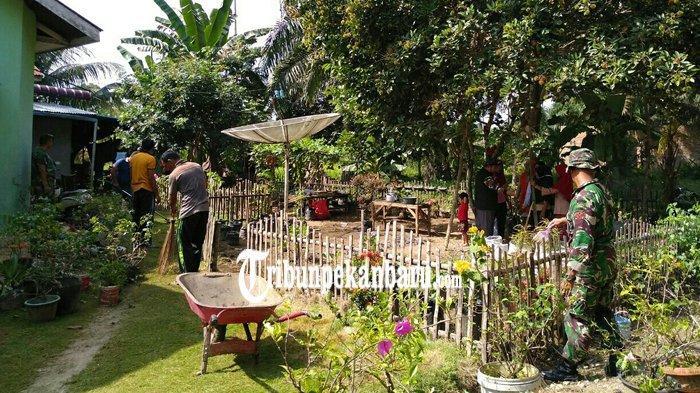 Camat Ujung Batu Arie Gunadi Ajak Masyarakat Budayakan Toga