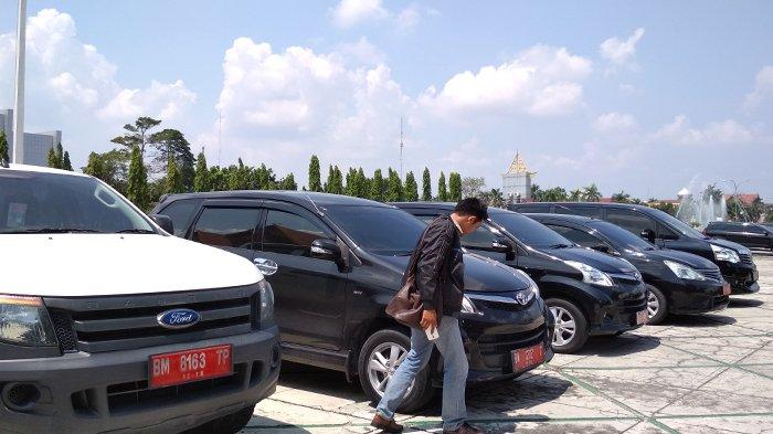 Mantan Pejabat Pemprov Riau Diduga Masih Banyak Kuasai Mobil Dinas, BPKAD Bungkam