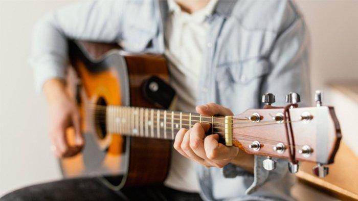 CEK Kunci Gitar Lagu Batak Parumaen Napogos: Am G Am D G