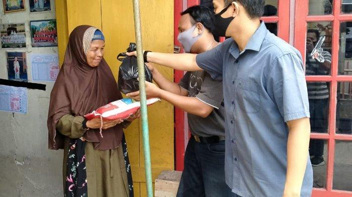 CPNS Pendidik 2018 Peduli Masyarakat Terdampak Covid-19, Patungan Beli Sembako untuk Warga