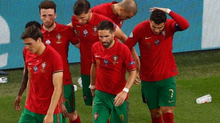 Detik-detik Cristiano Ronaldo Dilempar Botol Coca Cola oleh Penonton di Laga Portugas vs Prancis