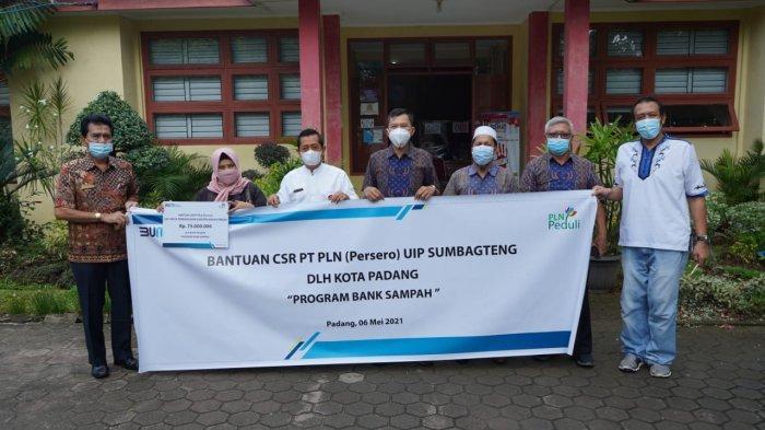 PLN Peduli Sinergi dengan DLH Kota Padang bantu Bank Sampah