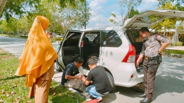 Cairkan Dana BOS Rp84Juta,Ban Mobil MendadakBocor,Ditinggal Kepsek Cari Bantuan,Uang Diembat Maling