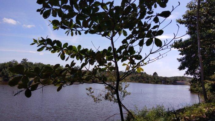 Indahnya danau Batin Telago Bungsu di Minas Jaya, Kecamatan Minas, Kabupaten Siak, Riau.