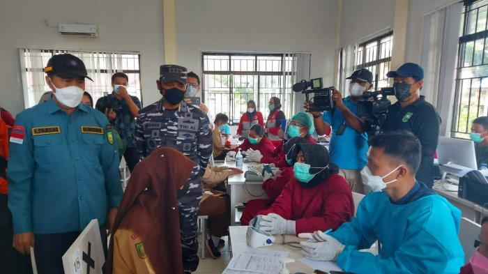 Serbuan Vaksin Maritim Sasar Pulau Terluar, Gubernur Riau: Terima Kasih Pak Danlanal Dumai