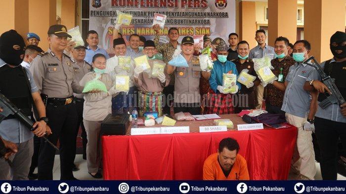 DETIK-DETIK Penangkapan Kurir Narkoba di Riau Diintai 24 Jam dan Ditangkap Saat Antri di Jalan Rusak