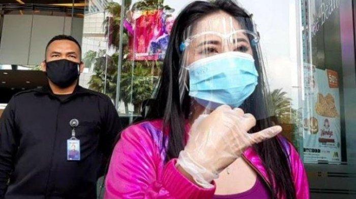 Makin Memanas, Dewi Perssik Kuliti Borok Denise Chariesta, Sebut Toko Bunganya Banyak Masalah