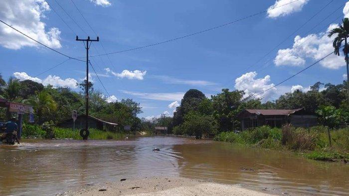Banjir di Pelalawan, Hujan Deras Tiga Hari Terakhir, Desa Lubuk Kembang Bunga Mulai Tergenang Air